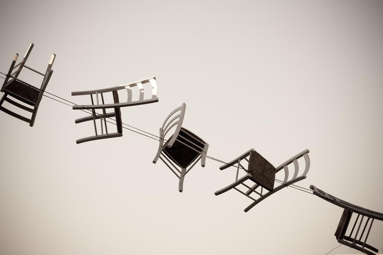 Poradíme vám, ako si vybrať správnu jedálenskú stoličku do vášho interiéru